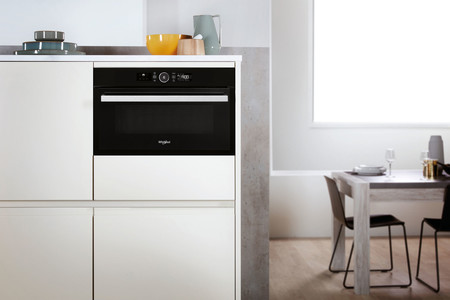 Lo nuevo de Whirlpool son los electrodomésticos de doble función que reducen su tamaño pensando en las cocinas más pequeñas