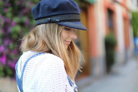 Duelo de boinas: ¿con qué blogger española te quedas?