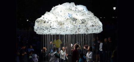 Una nube de luz interactiva