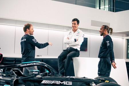 Bottas Hamilton Mercedes F1 2021