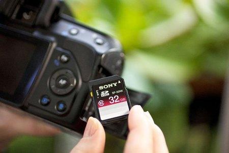 Sony también apuesta por las tarjetas SD