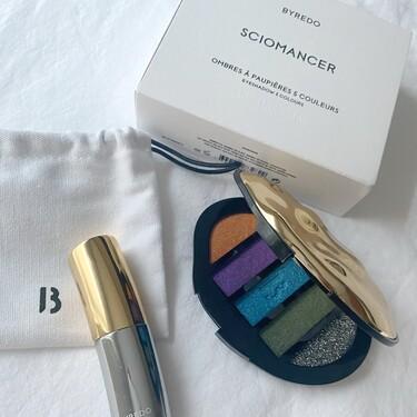 Esta paleta de sombras y labial de la colección de maquillaje de Byredo, que ya hemos probado, son todo un lujo por dentro y por fuera