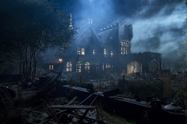 'La maldición de Hill House': Netflix revela las primeras imágenes y la fecha de su tenebrosa adaptación del clásico