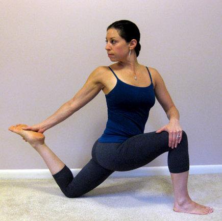 un sencillo ejercicio para estirar el psoas
