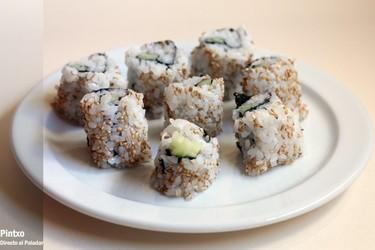 Uramaki de pepino y semillas de sésamo. Receta
