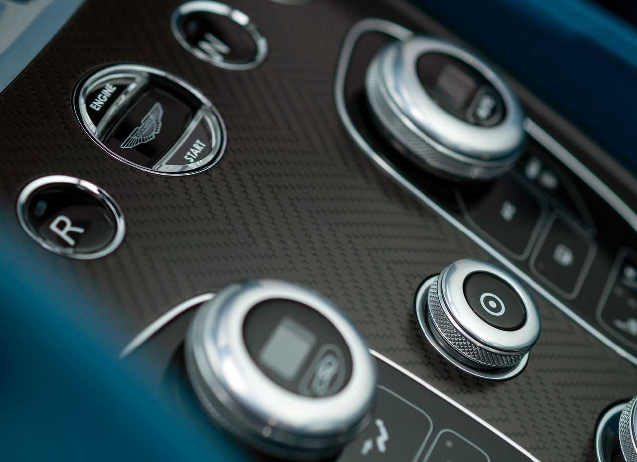 Foto de Aston Martin Vanquish Volante 2014 (2/9)