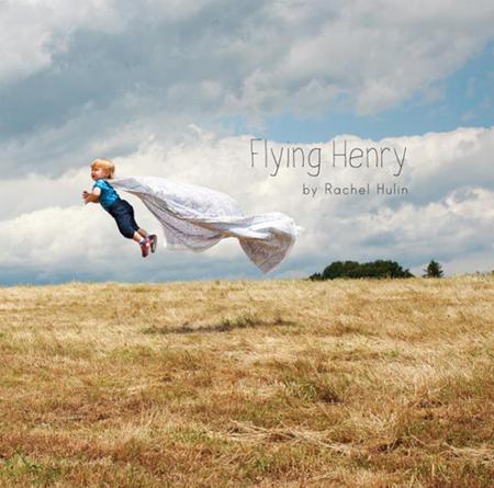 Flying Henry, o cómo ha convertido a su hijo en un bebé volador