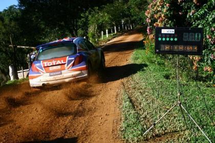 Pleno para Kris Meeke en el Rally de Curitiba