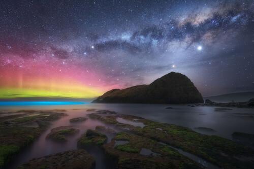 25 increíbles fotografías de auroras boreales (y australes) para deleitarnos con este curioso fenómeno de la naturaleza