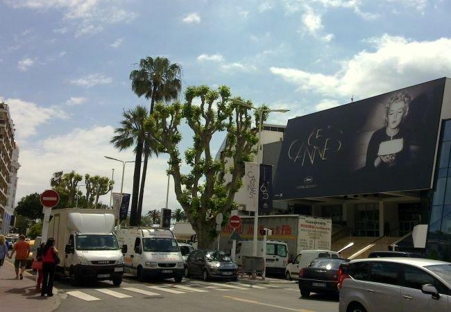 El Palais des Festivals con el cartel de la 65 edición de Cannes