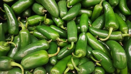 chiles-jalapenos-salsa-picante