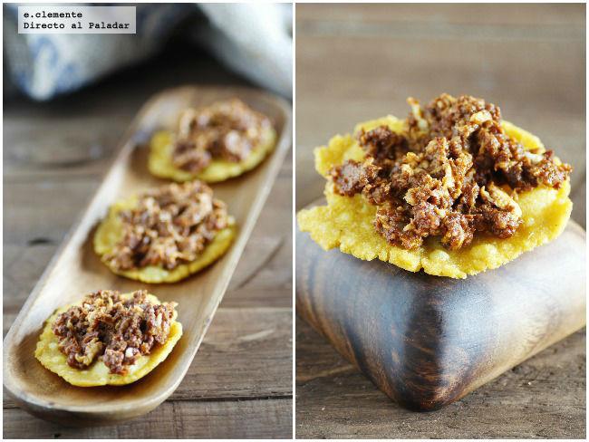 Tortos de maíz con revuelto de morcilla asturiana