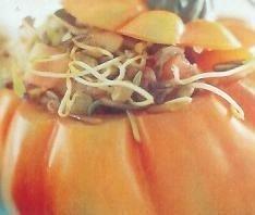 Tomates rellenos de germinados