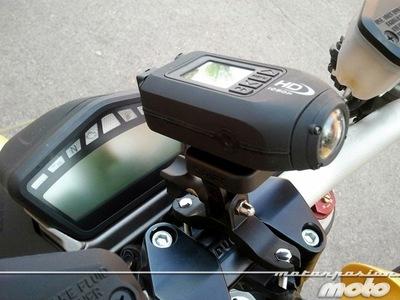 ¿Puedo grabar desde la moto mientras circulo? ¿Es legal?