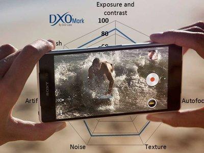 """Qué es DxOMark Mobile, el """"benchmark"""" para cámaras móviles que tanta polémica despierta"""