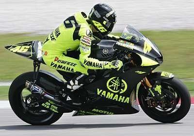 Rossi, primero en Malasia