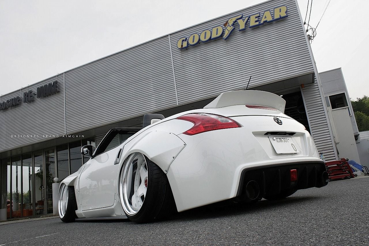 This-Is-Nissan-370Z-and-Is-Not-a-Manga-Comic---Cars---tinoshare.com