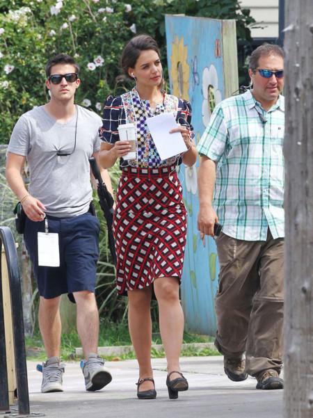 Katie Holmes falda estampada