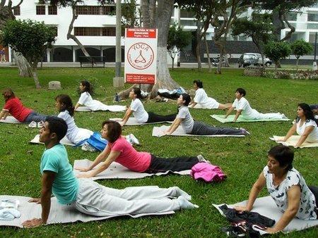¿Practicar yoga reduce el estrés?