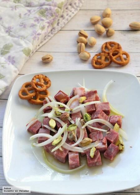 Ensalada alemana de morros o cabeza de jabalí, la receta de picoteo perfecta para el invierno