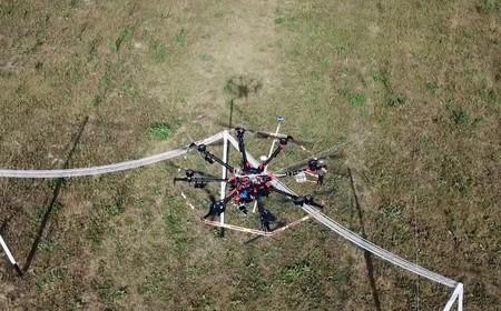 Con esta estación de carga los drones pueden recargarse en el aire de forma inalámbrica