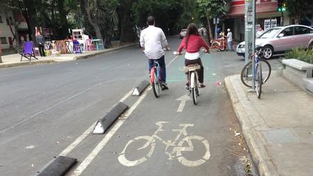 Ciclistas y automovilistas