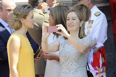 Las ministras y políticas españolas se visten de Parchís en la proclamación de Felipe VI