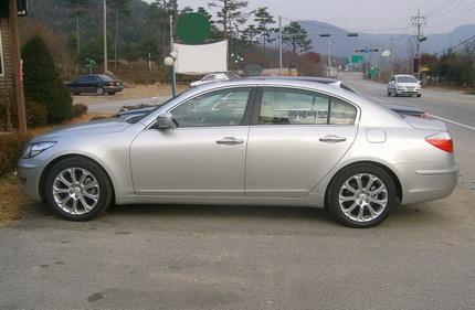 Hyundai Genesis: parecidos razonables con el BMW Serie 5