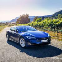 El Tesla Model S promete una actualización para septiembre que le permitirá superar los 640 km de autonomía