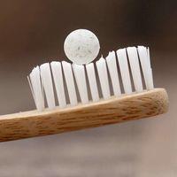 Pasta de dientes en forma de tableta: el invento que busca acabar con el desperdicio generado por los tubos de plástico