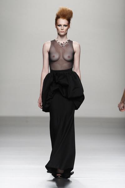 Foto de Juana Martín en la Cibeles Madrid Fashion Week Otoño-Invierno 2011/2012  (10/10)