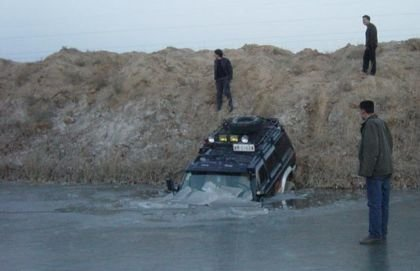 Cómo destrozar un Cherokee en el hielo