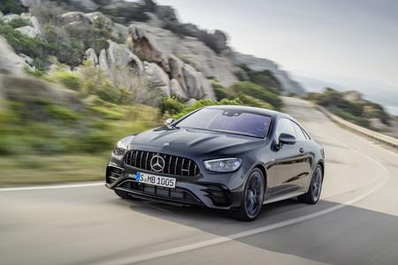 El Mercedes-AMG E 53 Coupe 2021 se sacude los años con nuevo diseño y tecnología a la carta