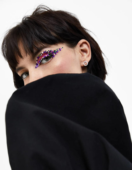 Bershka Maquillaje Pedreria 02