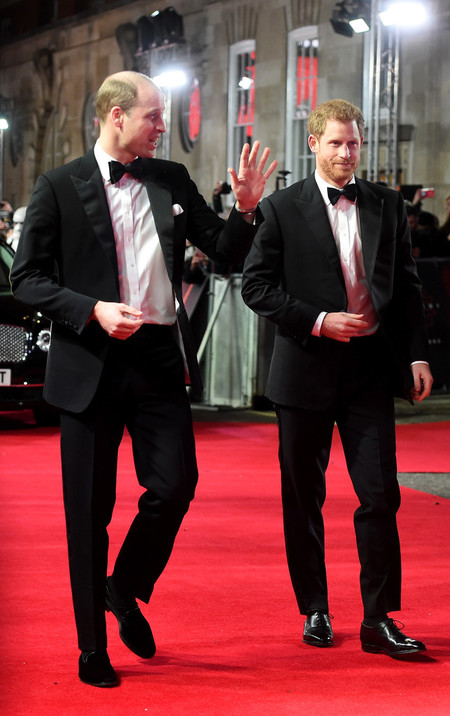 Prince Harry And William Red Carpet Star Wars The Last Jedi 02