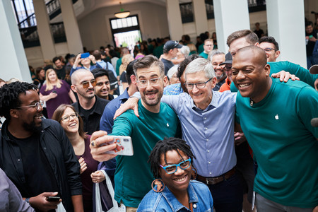Apple Carnegie Library Tim Cook 05112019