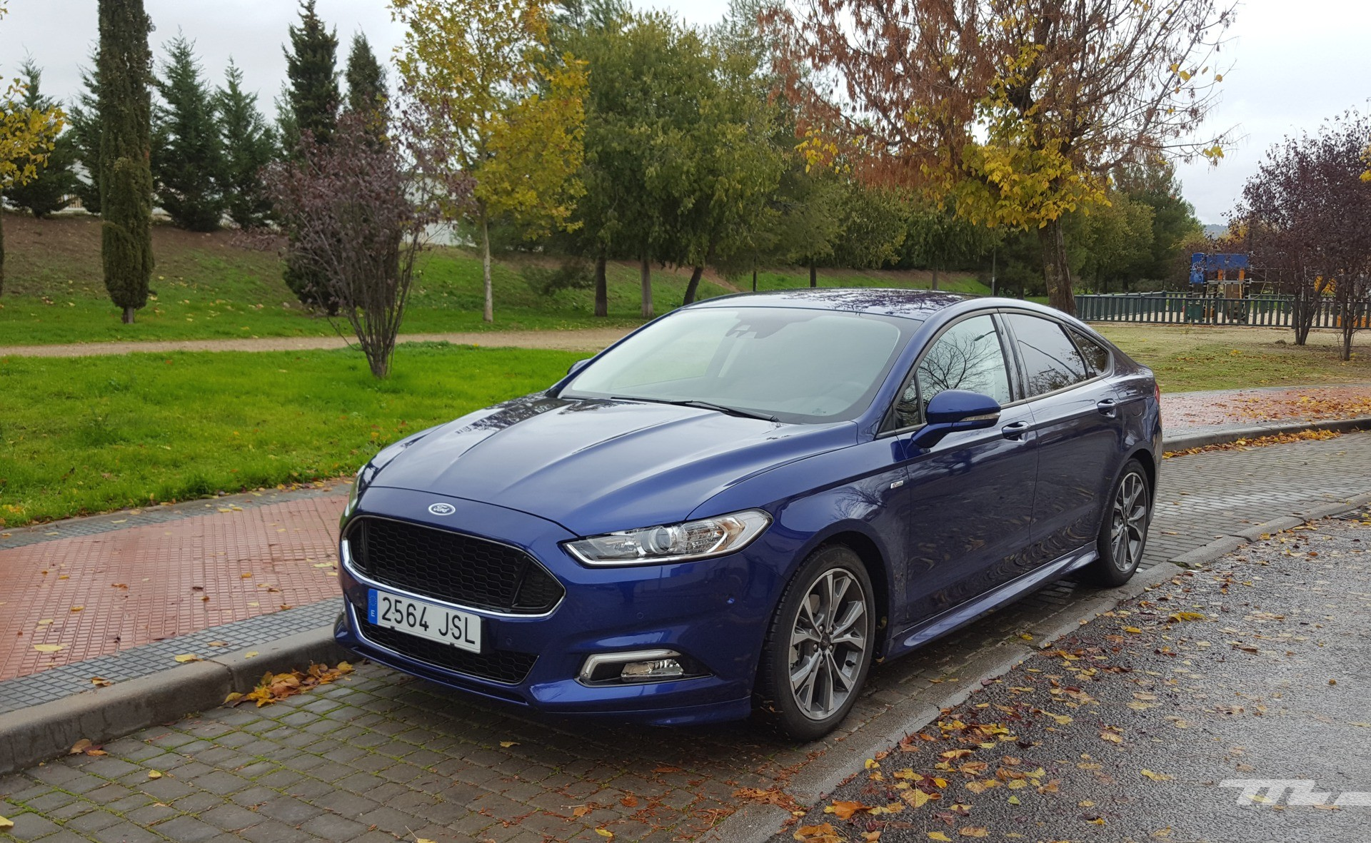 foto de ford mondeo st line 2 0 tdci 180 cv powershift prueba 3 20. Black Bedroom Furniture Sets. Home Design Ideas