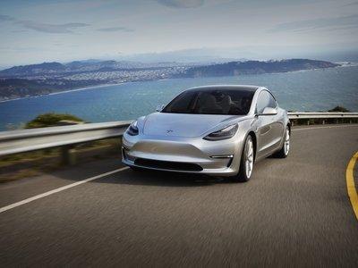 El Tesla Model 3 se ríe de su propia aceleración y alcanza el 0 a 100 km/h en 4,66 segundos