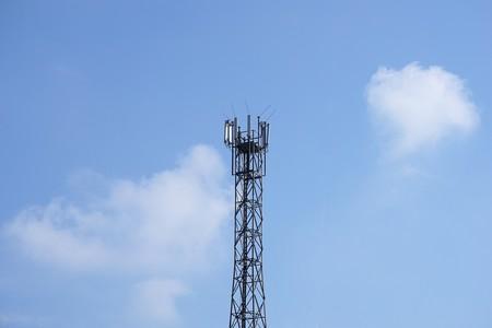Francia ofrecerá a los operadores prorrogar sus licencias de espectro a cambio de 5.000 antenas más