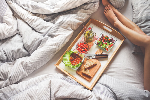 Para dormir mejor, cuida tu dieta: las claves nutricionales que te ayudan a cuidar tu sueño