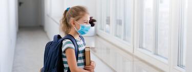 Aulas con ventanas abiertas y ventilación en los colegios: ¿podrían enfermar los niños a causa del frío?