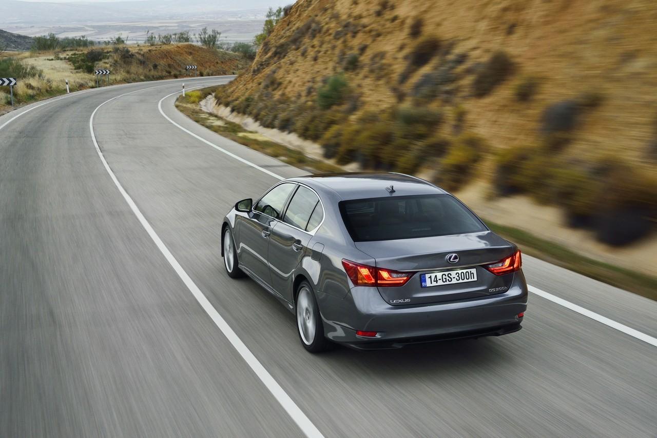 Foto de Lexus GS 300h (146/153)