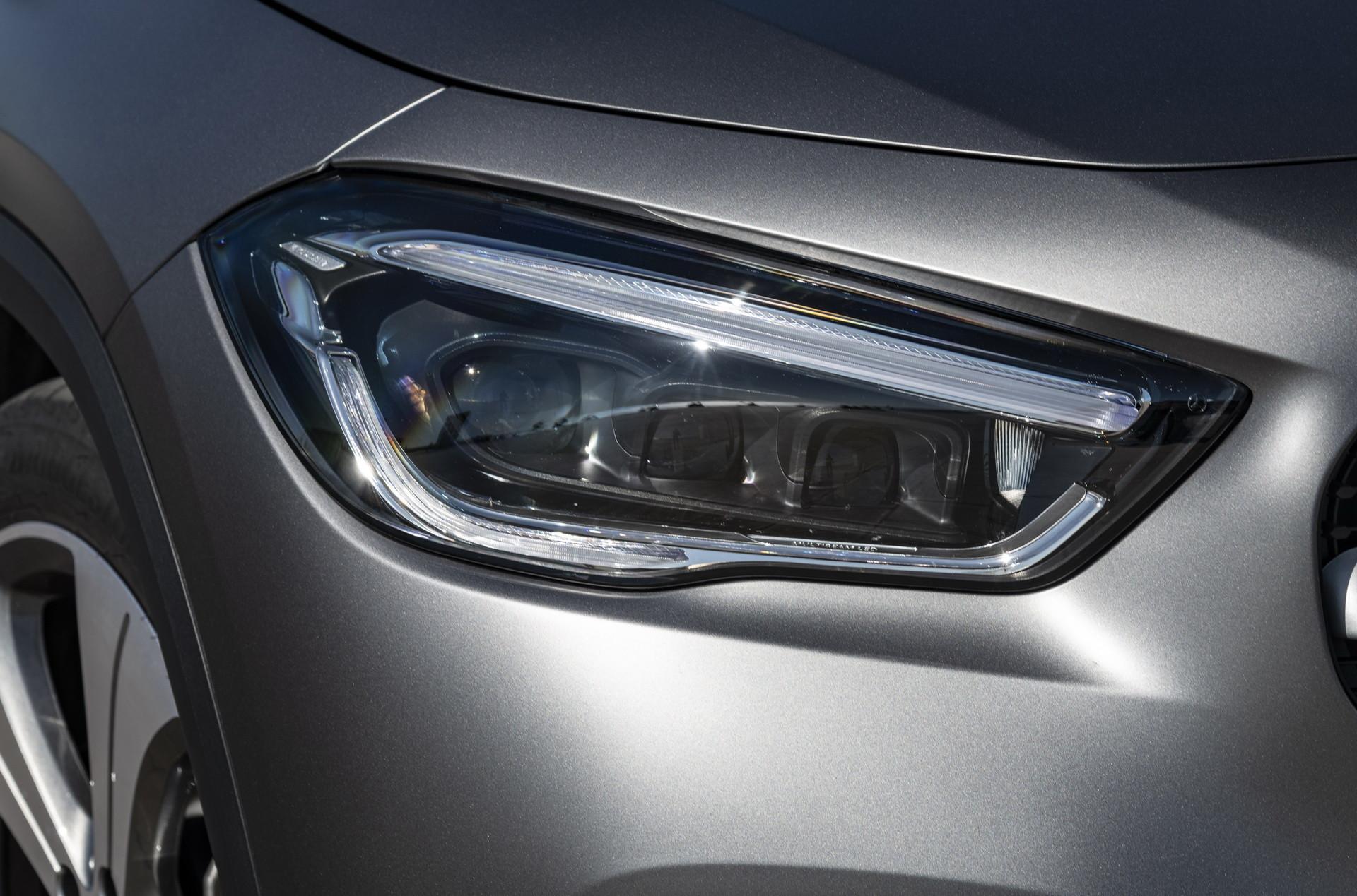 Foto de Mercedes-Benz GLA 2021 (38/103)