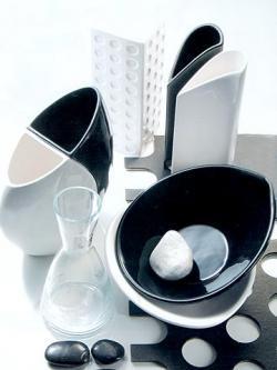 Vajillas de diseño para vestir la mesa (III)