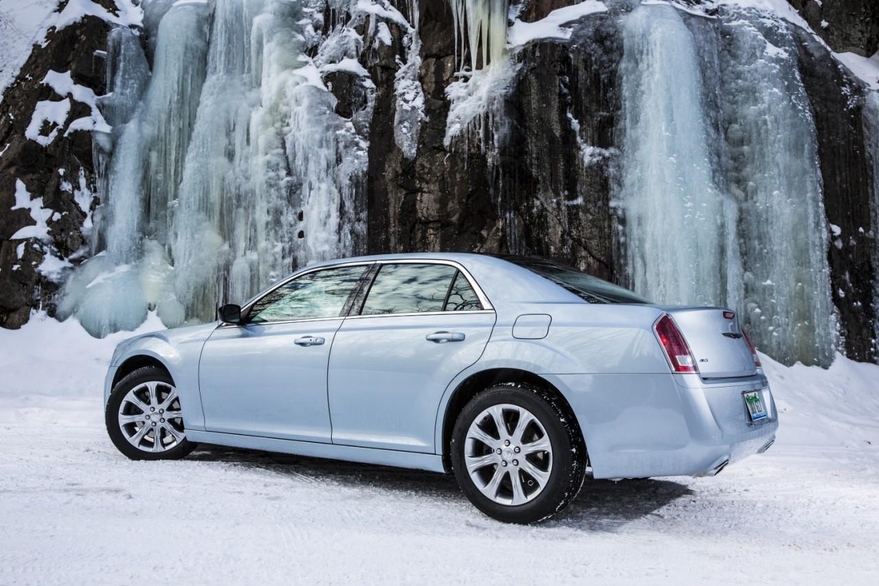 Foto de 2013 Chrysler 300 Glacier (7/27)