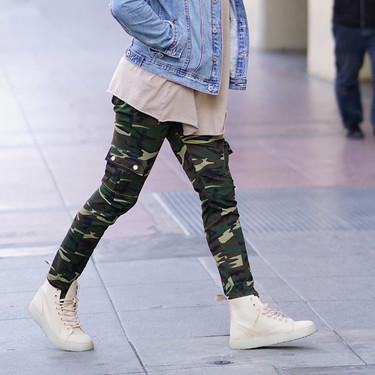 El mejor street-style de la semana: los pantalones cargo toman el control absoluto del look desenfadado