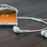 Controla el móvil con tu sonrisa o tus ojos gracias a estos auriculares