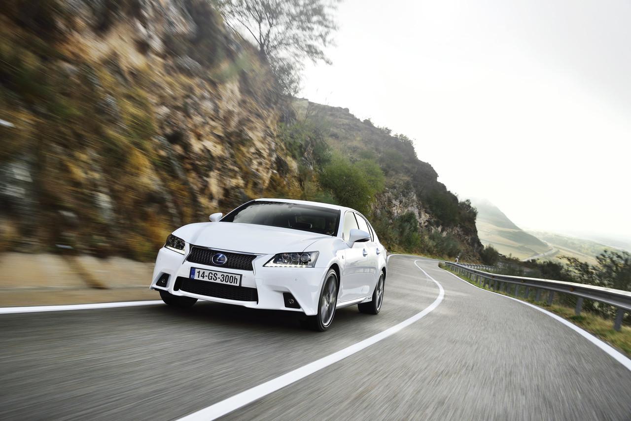 Foto de Lexus GS 300h (57/153)