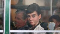 Audrey Hepburn revive en un anuncio de chocolates, los iconos son eternos