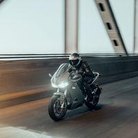 Zero desvela su nueva moto eléctrica SR/S: hasta 200 km/h y una autonomía que puede llegar a 320 kilómetros